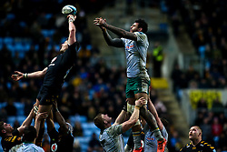 Charlie Matthews of Wasps beats Courtney Lawes of Northampton Saints to the ball - Mandatory by-line: Robbie Stephenson/JMP - 05/01/2020 - RUGBY - Ricoh Arena - Coventry, England - Wasps v Northampton Saints - Gallagher Premiership Rugby