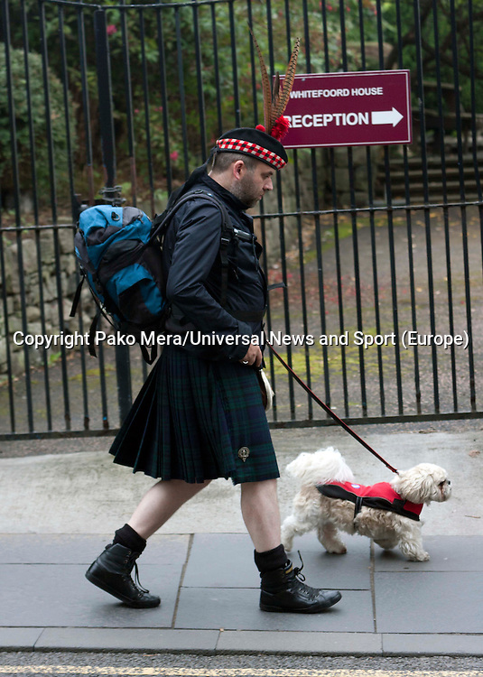 A scott walking in the Royal Mile.<br /> Members of different political ideal gather in the scottish parliament due what Today 18th September is the Scottish Referendum. Pako Mera/Universal News And Sport (Europe) 18/09/2014