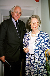 LADY NEVILL and SIR EVELYN DE ROTHSCHILD, at <br /> a party in London on 5th July 2000.OGC 42<br /> © Desmond O'Neill Features:- 020 8971 9600<br />    10 Victoria Mews, London.  SW18 3PY <br /> www.donfeatures.com   photos@donfeatures.com<br /> MINIMUM REPRODUCTION FEE AS AGREED.<br /> PHOTOGRAPH BY DOMINIC O'NEILL