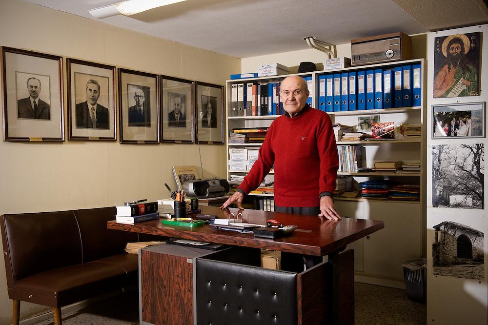 Theodorou Savvas (80) 4 Sina Str