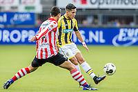 ROTTERDAM - Sparta - Vitesse , Voetbal , Eredivisie , Seizoen 2016/2017 , Het Kasteel , 11-12-2016 ,  eindstand 3-1 , Vitesse speler Navarone Foor (r) in duel met Sparta speler Kenneth Dougall (l)