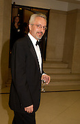 Winner: Alan Hollinghurst, The Man Booker prize awards ceremony 2004 . The Royal Horticultural Hall, 19 October 2004. ONE TIME USE ONLY - DO NOT ARCHIVE  © Copyright Photograph by Dafydd Jones 66 Stockwell Park Rd. London SW9 0DA Tel 020 7733 0108 www.dafjones.com