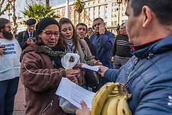 INT. August 2, 2017.- Producers of bananas from the northern Argentina give away 30 tons of bananas in Plaza de Mayo, CABA, in protest of the excessive import that is seriously affecting them.