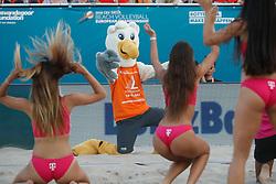 20180716 NED: CEV DELA Beach Volleyball European Championship day 2<br />Spike. mascotte<br />©2018-FotoHoogendoorn.nl