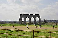Roma, 27/03/2011: Partita a cricket, Parco degli Acquedotti - Cricket game, Aqueducts Park<br /> &copy;Andrea Sabbadini