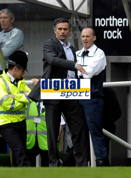 Photo: Jed Wee/Sportsbeat Images.<br /> Newcastle United v Chelsea. The Barclays Premiership. 22/04/2007.<br /> <br /> Chelsea manager Jose Mourinho.
