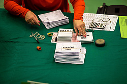 Counting in the North East Fife constituency.<br /> <br /> &copy; Dave Johnston/ EEm