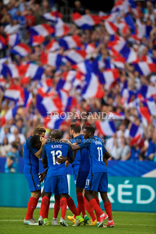 PARIS, FRANCE - Tuesday, June 13, 2017: France's Samuel Umtiti celebrates scoring the first goal against England with team-mates during an international friendly match at the Stade de France. (Pic by David Rawcliffe/Propaganda)