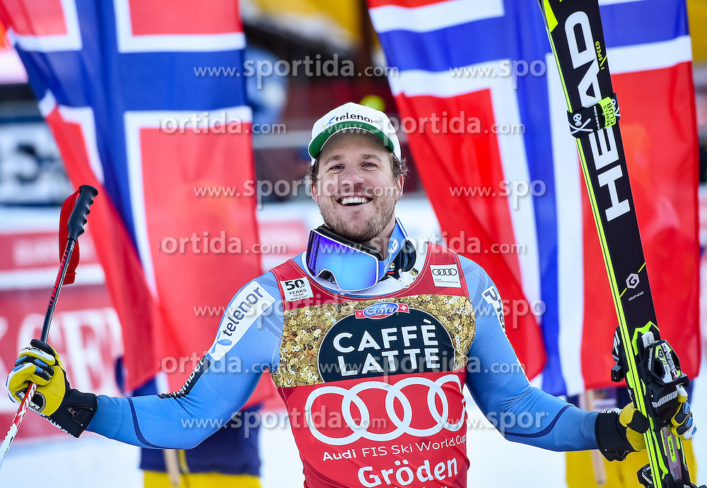 16.12.2016, Saslong, St. Christina, ITA, FIS Ski Weltcup, Groeden, Super G, Herren, Flower Zeremonie im Bild Kjetil Jansrud (NOR, 1. Platz) // race winner Kjetil Jansrud of Norway during the Flowers ceremony for the men's SuperG of FIS Ski Alpine World Cup at the Saslong race course in St. Christina, Italy on 2016/12/16. EXPA Pictures © 2016, PhotoCredit: EXPA/ Erich Spiess