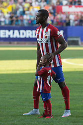 26.07.2015, Estadio Vicente Calderon, Madrid, ESP, Primera Division, Athletico Madrid, Spieler Neuzugang, im Bild Atletico Madrid's new Colombian striker Jackson Martinez plays with his son // during his official presentation as a new player of the Spanish Primera Division Club Atletico de Madrid at the Estadio Vicente Calderon in Madrid, Spain on 2015/07/26. EXPA Pictures © 2015, PhotoCredit: EXPA/ Alterphotos/ Victor Blanco<br /> <br /> *****ATTENTION - OUT of ESP, SUI*****