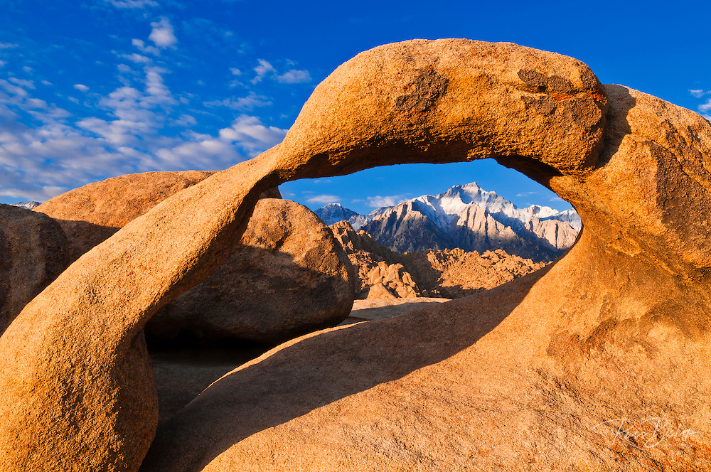Lone Pine Peak through Mobius Arch, Alabama Hills, Inyo National Forest, California USA