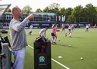 AMSTELVEEN - Deloitte  NK Studentenhockey.  Dj Spinkit met Deloitte branding COPYRIGHT KOEN SUYK
