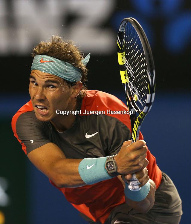 Australian Open 2014, Melbourne Park,ITF Grand Slam Tennis Tournament,<br /> Rafael Nadal (ESP),Aktion,Einzelbild,Halbkoerper,<br /> Hochformat,