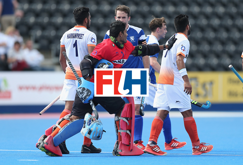 LONDON, ENGLAND - JUNE 15:  Players shake hands after the Hero Hockey World League Semi Final match between India and Scotland at Lee Valley Hockey and Tennis Centre on June 15, 2017 in London, England.  (Photo by Alex Morton/Getty Images)