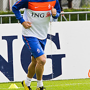 AUS/Seefeld/20100530 - Training NL Elftal WK 2010, Arjen Robben doet looptraining met fysoptherapeut