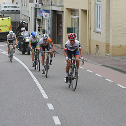 27-05-2016: Wielrennen: Boels Rental Classic: Valkenburg  <br />VALKENBURG (NED) wielrennen  <br />De Zuid Afrikaanse Asleigh Moolman laat de kopgroep ontploffen in de eerste meeters van de Cauberg