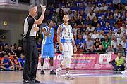 DESCRIZIONE : Beko Legabasket Serie A 2015- 2016 Dinamo Banco di Sardegna Sassari -Vanoli Cremona<br /> GIOCATORE : Luca Weidmann David Logan<br /> CATEGORIA : Arbitro Referee Ritratto Delusione<br /> SQUADRA : Dinamo Banco di Sardegna Sassari<br /> EVENTO : Beko Legabasket Serie A 2015-2016<br /> GARA : Dinamo Banco di Sardegna Sassari - Vanoli Cremona<br /> DATA : 04/10/2015<br /> SPORT : Pallacanestro <br /> AUTORE : Agenzia Ciamillo-Castoria/L.Canu