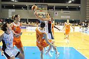 DESCRIZIONE : Schio LBF Playoff Finale Gara 3 Cras Basket Taranto Famila Wuber Schio<br /> GIOCATORE : Sara Giauro<br /> CATEGORIA : tiro penetrazione<br /> SQUADRA : Cras Basket Taranto<br /> EVENTO : Campionato Lega Basket Femminile A1 2011-2012<br /> GARA : Cras Basket Taranto Famila Wuber Schio<br /> DATA : 08/05/2012<br /> SPORT : Pallacanestro <br /> AUTORE : Agenzia Ciamillo-Castoria/C.De Massis<br /> Galleria : Lega Basket Femminile 2011-2012<br /> Fotonotizia : Schio LBF Playoff Finale Gara 3 Cras Basket Taranto Famila Wuber Schio<br /> Predefinita :