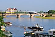 Elbe mit Augustusbrücke und Erlweinspeicher, Dresden, Sachsen, Deutschland.|.Elbe with Augustus bridge and Erlweinspeicher, Dresden, Germany