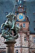 Rathaus am Markt, St.-Georgs-Statue, Oberstadt, Altstadt, Marburg, Hessen, Deutschland | guild hall, market square, St. George statue, old town, Marburg, Hesse, Germany