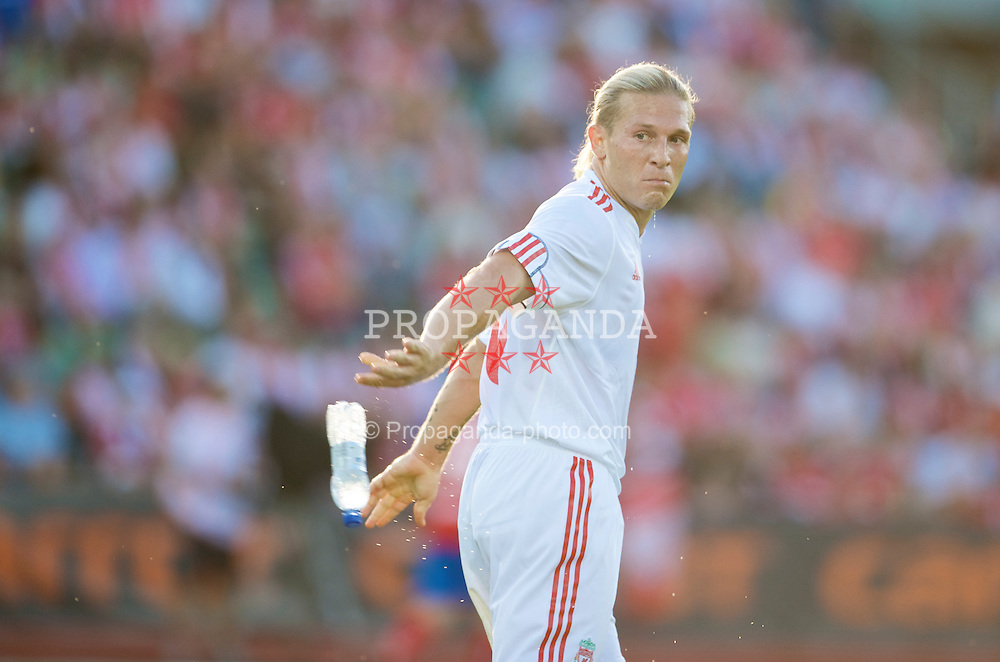 OSLO, NORWAY - Wednesday, August 5, 2009: Liverpool's Andriy Voronin in action against FC Lyn Oslo during a preseason match at the Bislett Stadion. (Pic by David Rawcliffe/Propaganda)