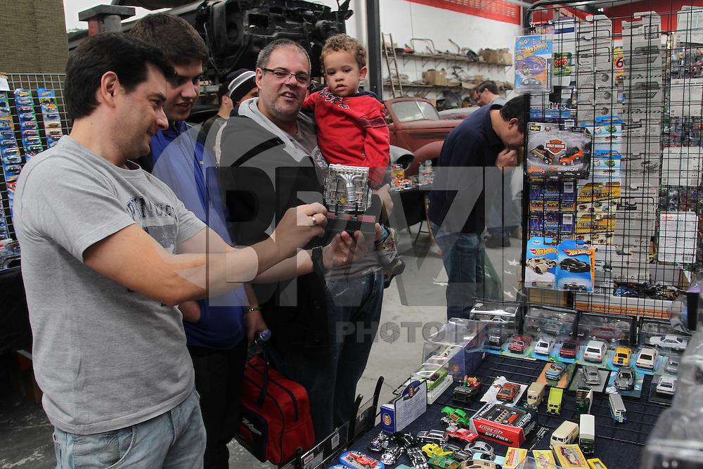 SAO PAULO, SP, 31-05-2014, FEIRA MINIATURAS. Nesse sabado (31) acontece uma feira de miniaturas na Rua Borges Figueiredo nº 152 no bairro da Mooca.    Luiz Guarnieri/ Brazil Photo Press.