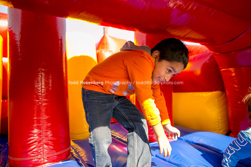 10/10/15 2:03:53 PM -- Chicago, IL, USA<br /> <br /> Lincoln Park Zoo Fall Festival <br /> <br /> . &copy; Todd Rosenberg Photography 2015