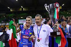 11-05-2017 ITA: Finale Liu Jo Modena - Igor Gorgonzola Novara, Modena<br /> Novara heeft de titel in de Italiaanse Serie A1 Femminile gepakt. Novara was oppermachtig in de vierde finalewedstrijd. Door een 3-0 zege is het Italiaanse kampioenschap binnen. / MARCO FENOGLIO en Francesca Piccinini #12<br /> <br /> ***NETHERLANDS ONLY***