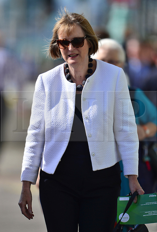 © Licensed to London News Pictures. 29/09/2015. Brighton, UK. HARRIET HARMAN wearing armani sunglasses as she arrives to listen to Labour party leader JEREMY CORBYN delivering his leaders speech on day three of the 2015 Labour Party Conference, held at the Brighton Centre in Brighton, East Sussex.  Photo credit: Ben Cawthra/LNP