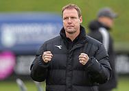 Cheftræner Morten Eskesen (FC Helsingør) knytter næverne efter slutfløjtet i kampen i 2. Division mellem Boldklubben Avarta og FC Helsingør den 10. november 2019 i Espelunden (Foto: Claus Birch).