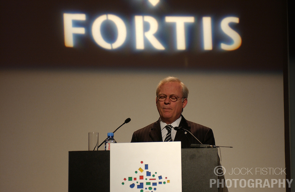 BRUSSELS, BELGIUM - MARCH-10-2005 - Gilbert Mittler speaks during the presentation of Fortis Bank's 2004 annual financial report. (PHOTO © JOCK FISTICK)