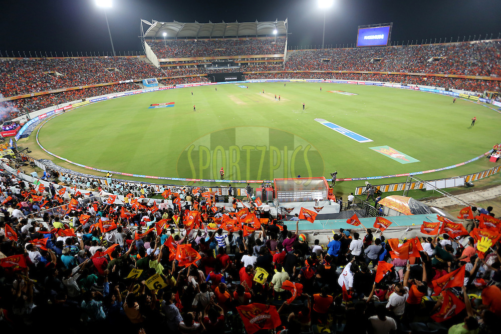 A general view during match 27 of the Vivo IPL 2016 (Indian Premier League ) between the Sunrisers Hyderabad and the Royal Challengers Bangalore held at the Rajiv Gandhi Intl. Cricket Stadium, Hyderabad on the 30th April 2016<br /> <br /> Photo by Faheem Hussain / IPL/ SPORTZPICS