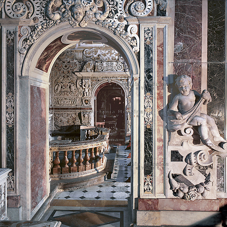 Palermo, &quot;Del Gesu'&quot; church, baroque art.<br /> Palermo, chiesa del Gesu', fuga d'archi.