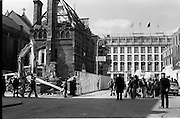 05/04/1978.04/05/1978.5th April 1978.Photograph of architecture students protesting against the demolition of Molesworth Hall. Building workers also demonstrated against being removed from the site.