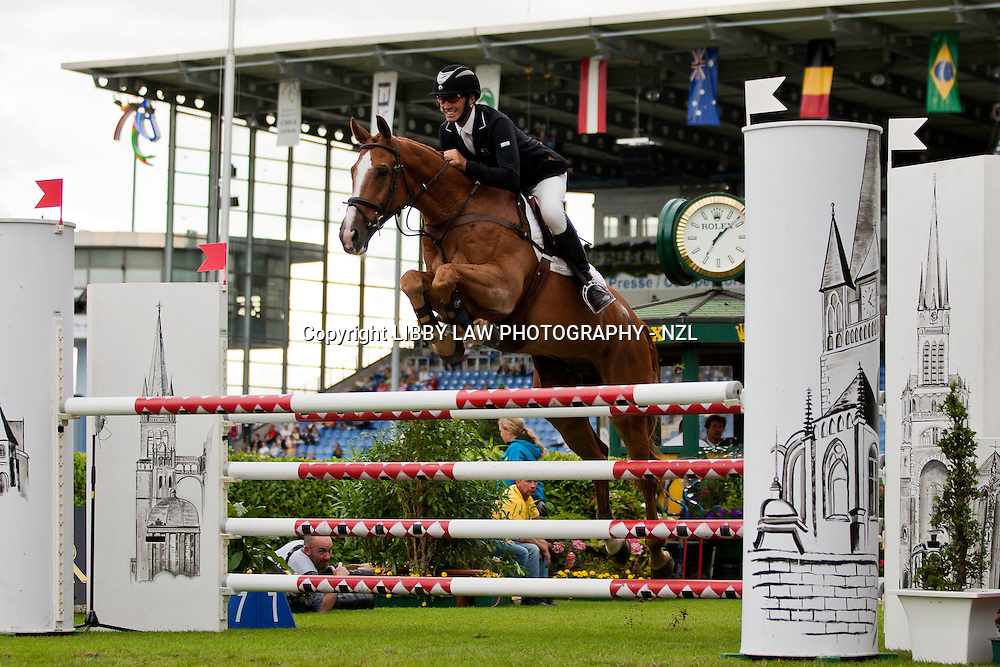 NZL-Andrew Nicholson (NEREO) 2012 GER-CHIO Aachen Weltfest des Pferdesports (Friday) - DHL Preis CICO*** Eventing Showjumping: INTERIM-8TH