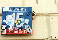 n/z.: Wlepki na tablicy z nazwa ulicy w centrum miasta w Warszawie. Polska , Warszawa , 30-04-2007 , fot.: Adam Nurkiewicz / mediaphoto..Stickers on plate with name of street in city centre in Warsaw, Poland. April 30, 2007 ; Poland , Warsaw ( Photo by Adam Nurkiewicz / mediaphoto )