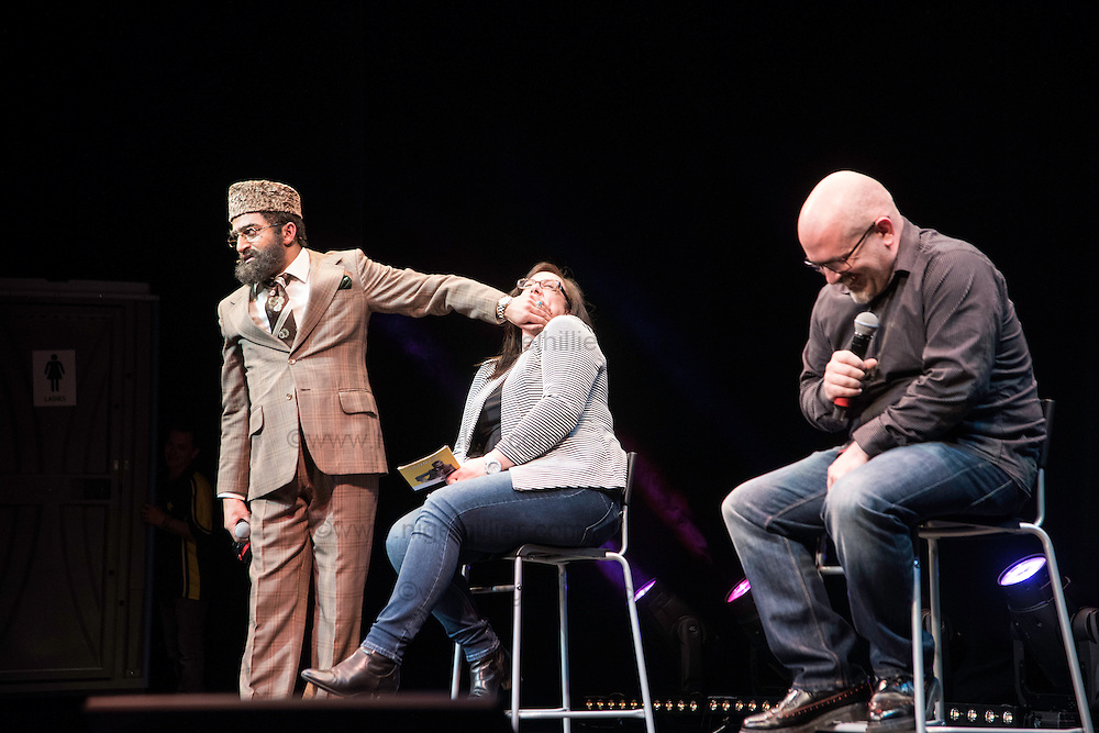 Citizen Khan helped two fans get engaged on stage as part of the opening night of his UK tour last night at the Alhambra Theatre in Bradford.<br />