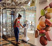 COSTA CROCIERE: il robot alla pasticceria di bordo, Pastry shop