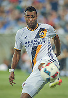 MAY 28, 2016: Galaxy defender Ashley Cole (#3) during the MLS match between the Montreal Impact and LA Galaxy at Stade Saputo in Montreal, Quebec. Canada on May 28, 2016.  Photo: Steve Kingsman
