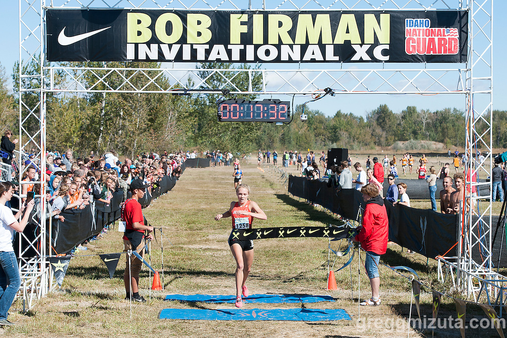 Jackson Wyoming's Anna Gibson wins the Bob Firman Invitational elite girls race on September 24, 2016 at Eagle Island State Park, Eagle, Idaho. Gibson won the race with a time of 17:32.1.