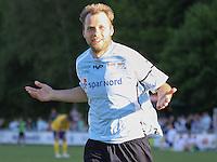FODBOLD: Michael Gorm Nielsen (Helsingør) jubler efter sin udligning til 1-1 under opvisningskampen mellem Elite 3000 Helsingør og Brøndby IF den 16. juni 2010 på Helsingør Stadion. Foto: Claus Birch