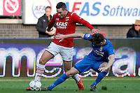 ALKMAAR - 04-10-2015, AZ - FC Twente, AFAS Stadion, 3-1,  AZ speler Vincent Janssen, FC Twente speler Peet Bijen.