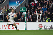 Twickenham, Surrey. UK.  Mike BROWN running in a try, during the England vs Samoa, Autumn International. Old Mutual Wealth Series. RFU Stadium, Twickenham. Surrey, England.<br />