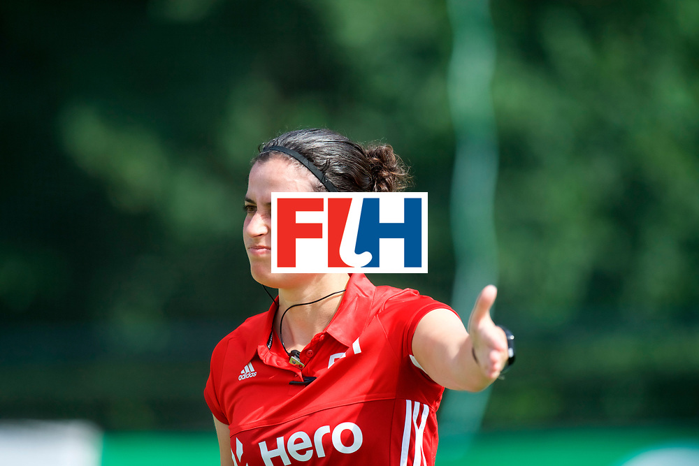 SANTIAGO - 2016 8th Women's Hockey Junior World Cup<br /> 30 FRA v RSA (13 / 16 Place)<br /> foto:  Umpire 	Ana FAIAS<br /> FFU PRESS AGENCY COPYRIGHT FRANK UIJLENBROEK