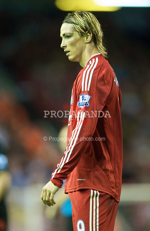 LIVERPOOL, ENGLAND - Wednesday, August 19, 2009: Liverpool's Fernando Torres, with nine medical staples above his eye after a collision with Stoke City's Ryan Shawcross, during the Premiership match at Anfield. (Pic by: David Rawcliffe/Propaganda)