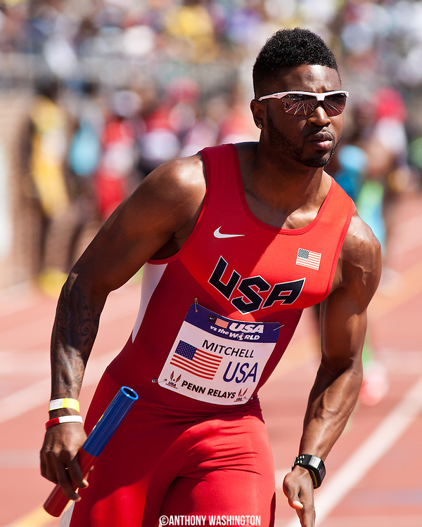 Manteo Mitchell with the USA Red team runs the second leg of the USA vs. the World Men's 4x400 at the 119th Penn Relays on Saturday, April 27, 2013 in Philadelphia, PA.