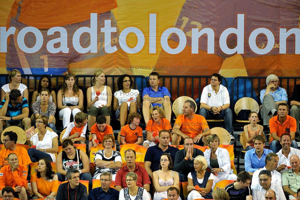 03-09-2011 VOLLEYBAL: PRE OKT NEDERLAND - ROEMENIE: EINDHOVEN<br /> Oranje support publiek Road to London<br /> &copy;2011-FotoHoogendoorn.nl