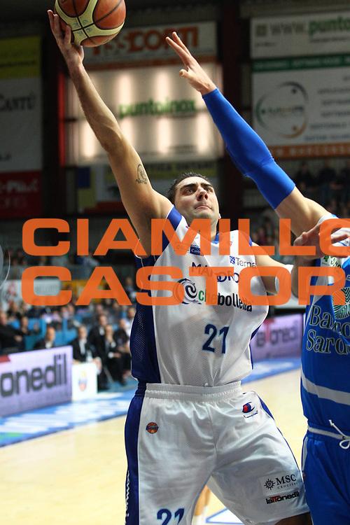 DESCRIZIONE : Cantu Lega A 2012-13 cheBolletta Cantu Banco di Sardegna Sassari<br /> GIOCATORE : Pietro Aradori<br /> CATEGORIA : Tiro<br /> SQUADRA : cheBolletta Cantu<br /> EVENTO : Campionato Lega A 2012-2013<br /> GARA : cheBolletta Cantu Banco di Sardegna Sassari<br /> DATA : 03/02/2013<br /> SPORT : Pallacanestro <br /> AUTORE : Agenzia Ciamillo-Castoria/G.Cottini<br /> Galleria : Lega Basket A 2012-2013  <br /> Fotonotizia : Cantu Lega A 2012-13 cheBolletta Cantu Banco di Sardegna Sassari<br /> Predefinita :