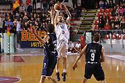 DESCRIZIONE : Roma LNP A2 2015-16 Acea Virtus Roma Assigeco Casalpusterlengo<br /> GIOCATORE : Alan Voskuil<br /> CATEGORIA : tiro<br /> SQUADRA : Acea Virtus Roma<br /> EVENTO : Campionato LNP A2 2015-2016<br /> GARA : Acea Virtus Roma Assigeco Casalpusterlengo<br /> DATA : 01/11/2015<br /> SPORT : Pallacanestro <br /> AUTORE : Agenzia Ciamillo-Castoria/G.Masi<br /> Galleria : LNP A2 2015-2016<br /> Fotonotizia : Roma LNP A2 2015-16 Acea Virtus Roma Assigeco Casalpusterlengo