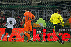 15.11.2011, Imtech Arena, Hamburg, GER, FSP, Deutschland (GER) vs Holland (NED), im Bild 3 zu 0 durch Mesut Özil/ Oezil GER #08 Madrid) // during the Match Gemany (GER) vs Netherland (NED) on 2011/11/15,  Imtech Arena, Hamburg, Germany. EXPA Pictures © 2011, PhotoCredit: EXPA/ nph/ Kokenge..***** ATTENTION - OUT OF GER, CRO *****